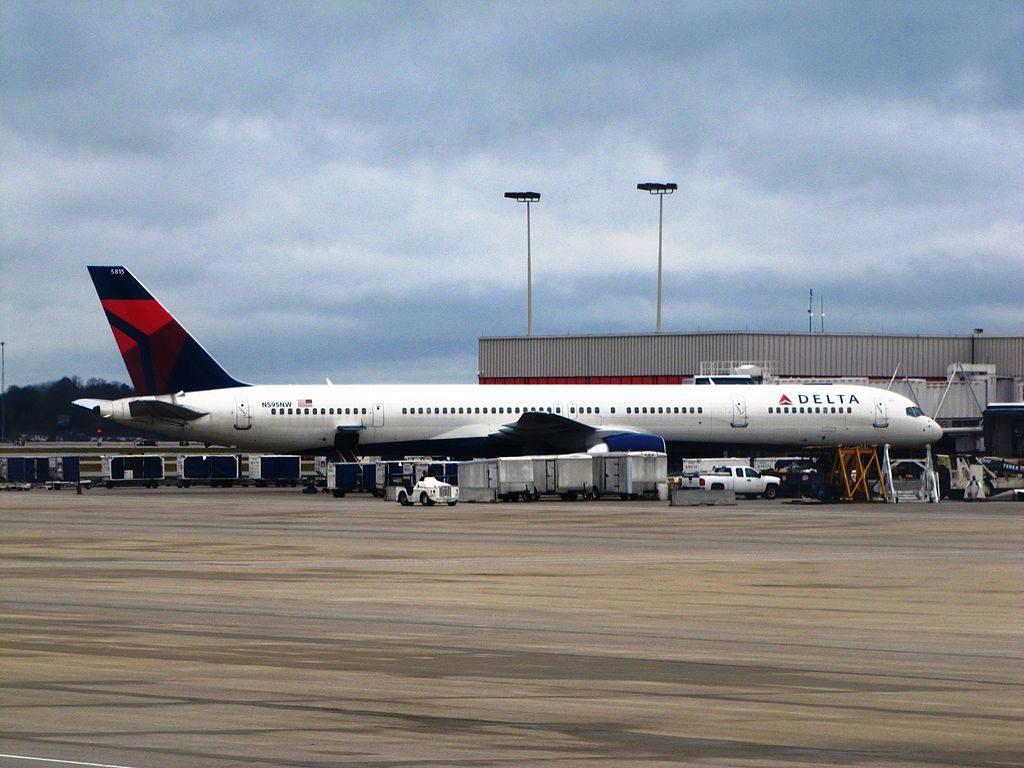 Delta Air Lines Boeing 757-300 N595NW at Gate Passenger Boarding Hartsfield-Jackson Atlanta International Airport