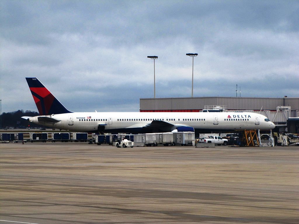 Delta Air Lines Boeing 757-300 N595NW at Gate Passenger Boarding Hartsfield-Jackson Atlanta International Airport