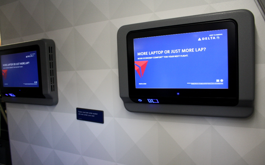 Delta Air Lines Boeing 757-300 first class IFE system photos