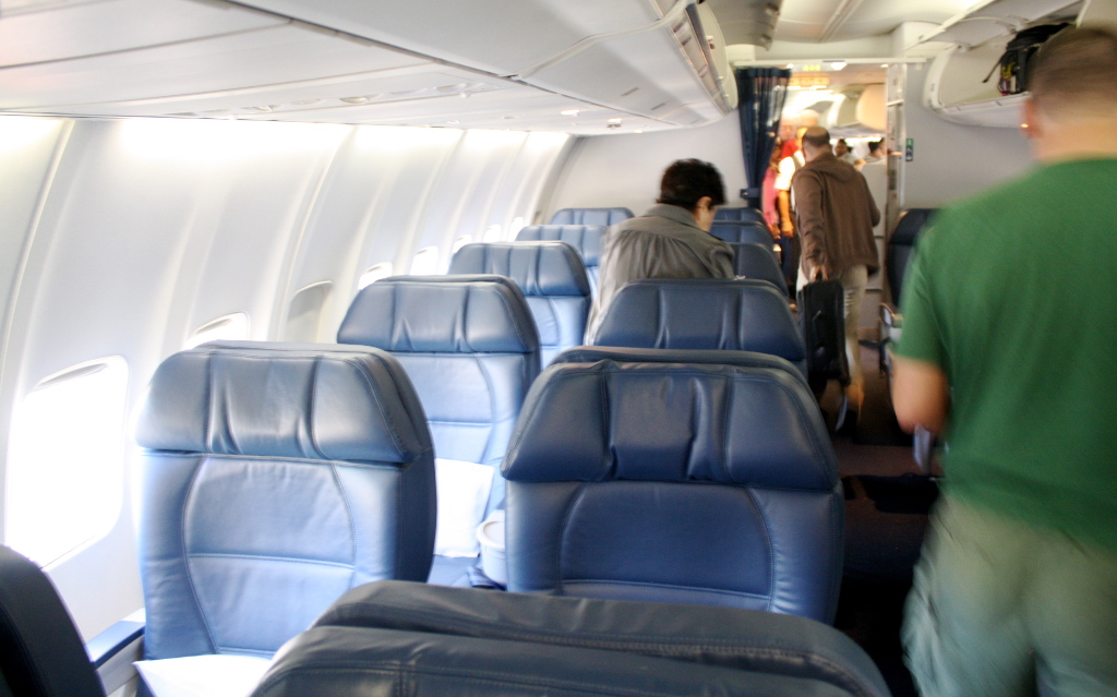 Delta Air Lines Boeing 757-300 first class cabin interior photos