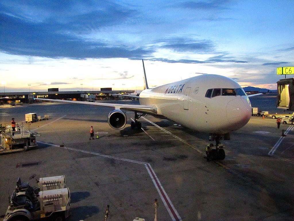 Delta Air Lines Boeing 767-300 N121DE at SLC Salt Lake City International Airport