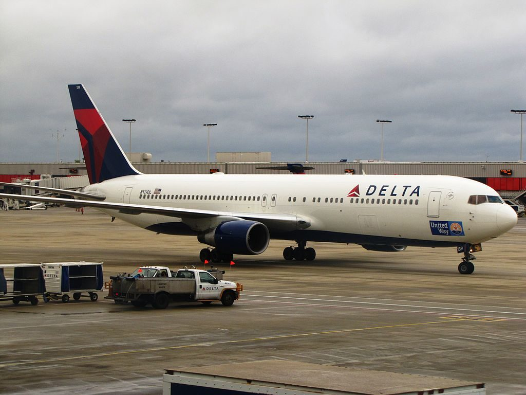 Delta Air Lines Boeing 767-300 N139DL at Hartsfield-Jackson Atlanta International Airport