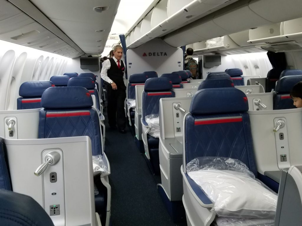 Delta Air Lines Boeing 767-300ER Business Class (First Delta One) Cabin and Seats Layout Photos