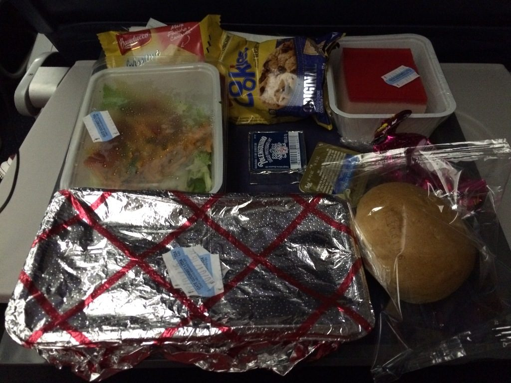 Delta Air Lines Boeing 767-300ER Main Cabin Economy Class inflight amenities dinner food services Photos