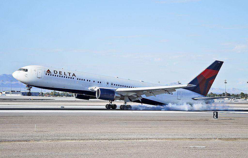 Delta Air Lines Boeing 767-332 N137DL tailstrike the runway at Las Vegas - McCarran International (LAS : KLAS) USA - Nevada, August 23, 2012