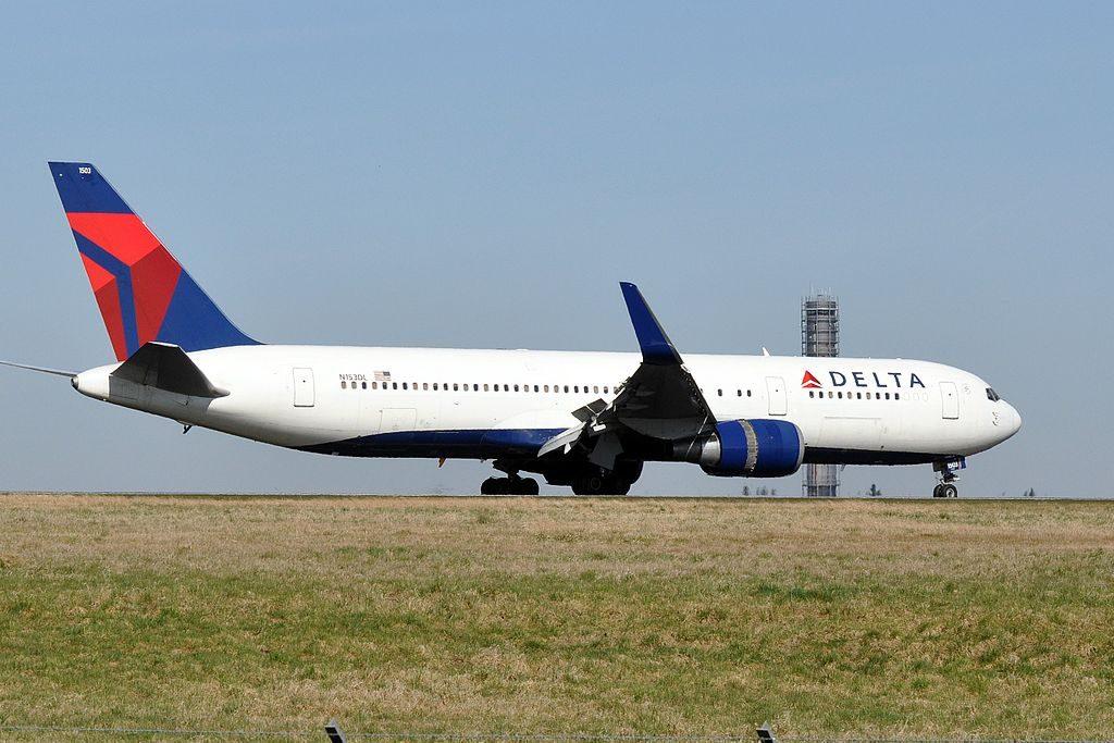 Delta Air Lines, Boeing 767-3P6(ER), N153DL - CDG Charles de Gaulle Airport, France