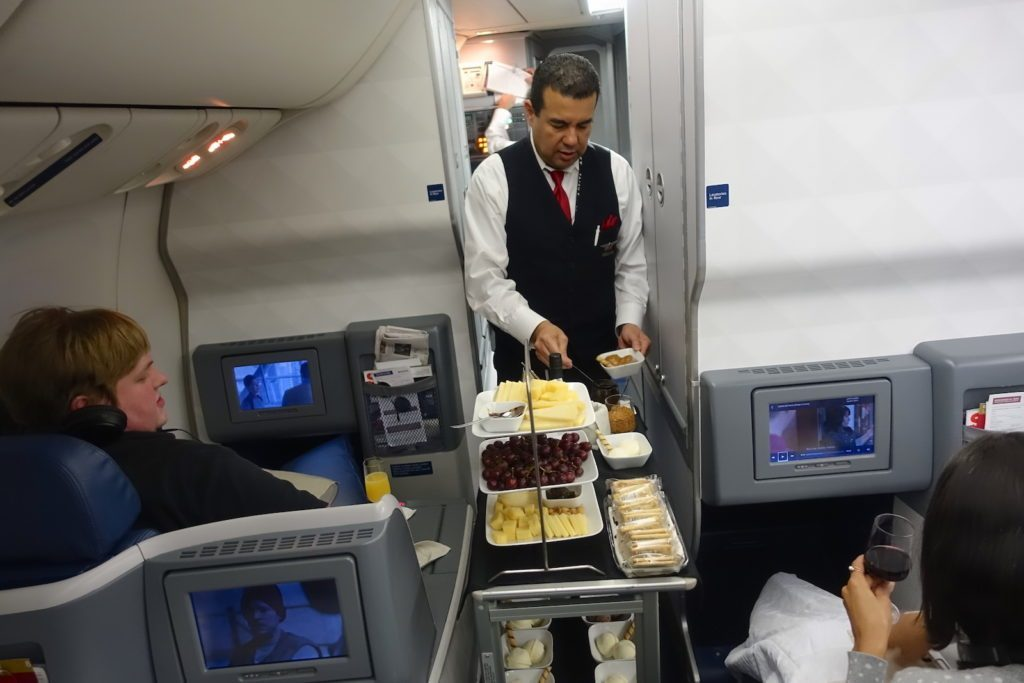Delta Air Lines Boeing 767-400ER Business Class (DELTA ONE) inflight amenities services dessert cart