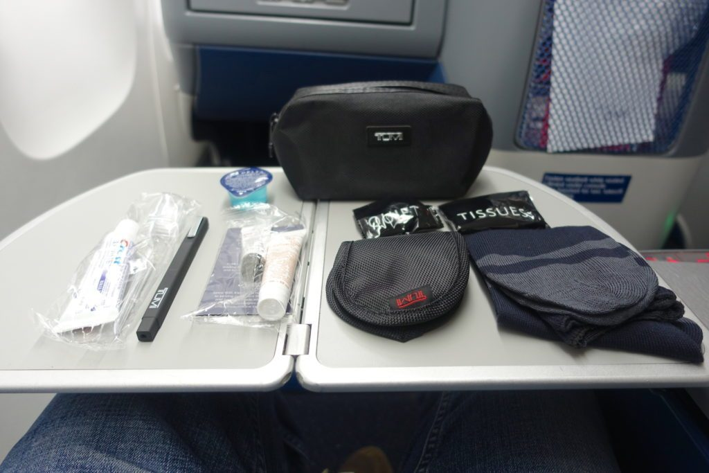 Delta Air Lines Boeing 767-400ER Business Class (DELTA ONE) inflight services TUMI amenity kits
