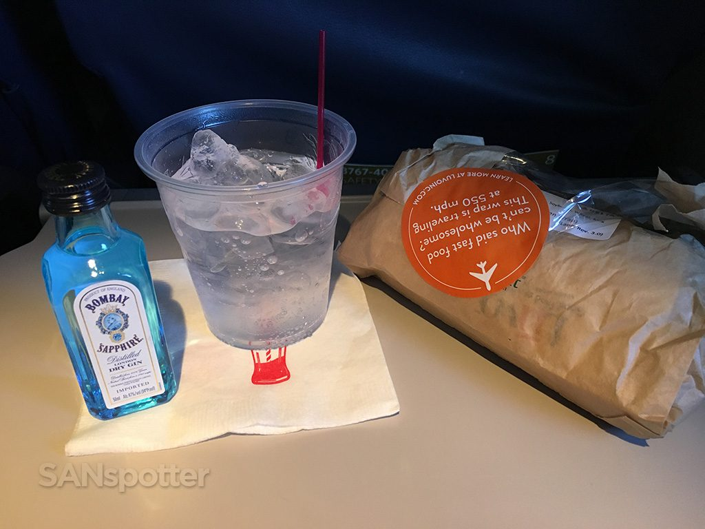 Delta-Air-Lines-Boeing-767-400ER-Premium-Economy-Comfort-Inflight-amenities-Snack-Services-Gin-and-Tonic-a-chicken-wrap-Photos-@SANspotter.jpg