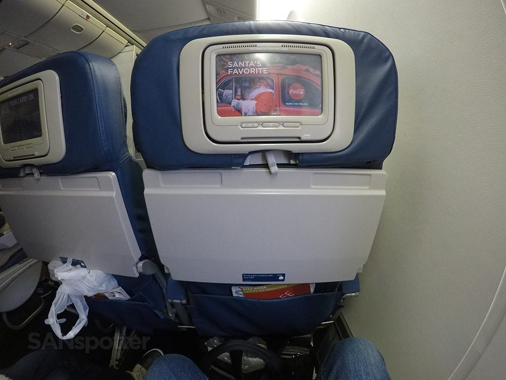 Delta-Air-Lines-Boeing-767-400ER-Premium-Economy-Comfort-entertainment-video-screen-Photos-@SANspotter.jpg