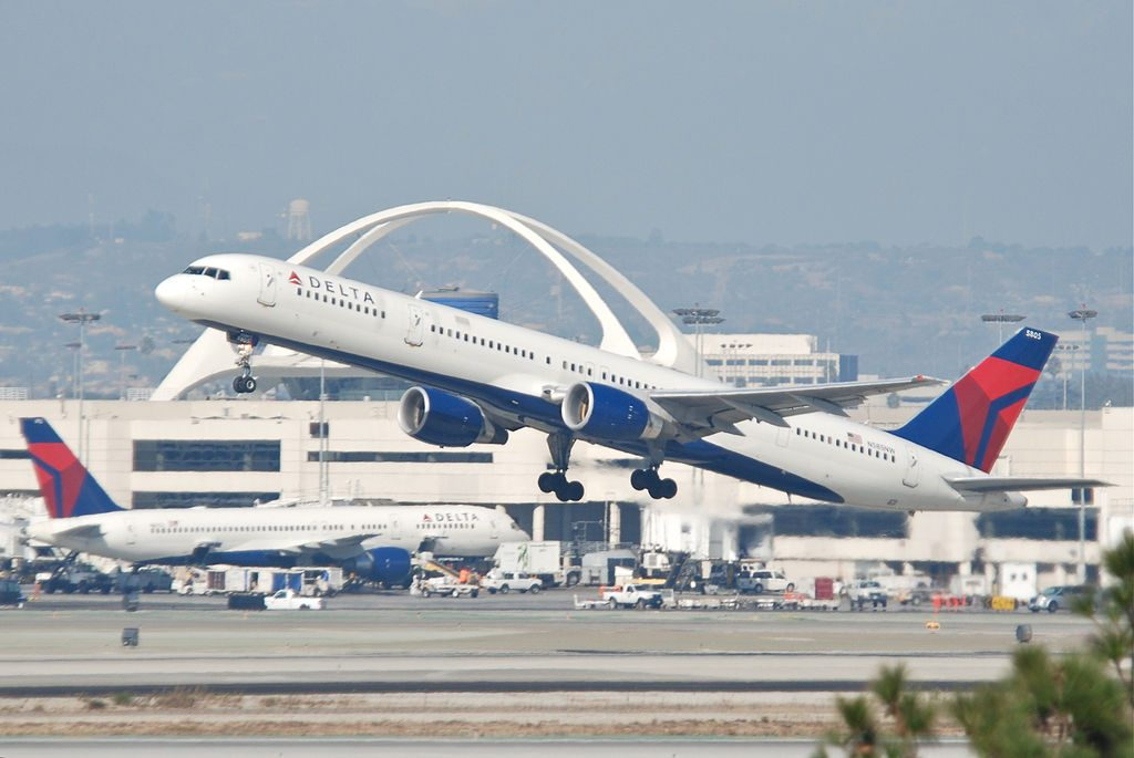 Delta Air Lines Fleet Boeing 757-300 N585NW Departing LAX Airport Photos