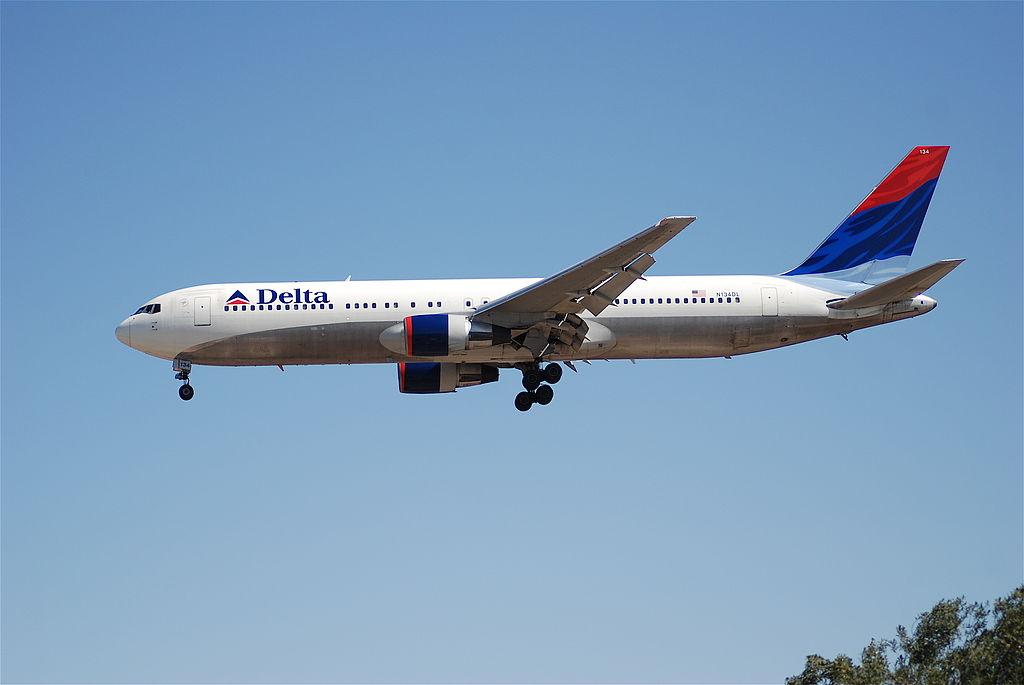 Delta Air Lines Fleet Boeing 767-300 N134DL on Final Approach @LAX Airport