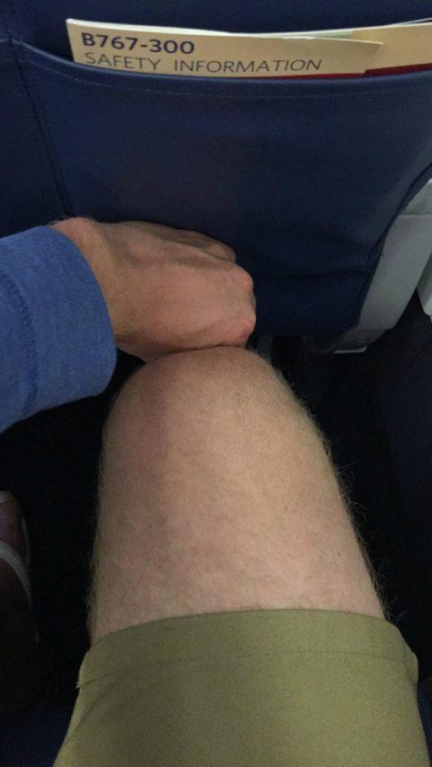Delta Air Lines Fleet Boeing 767-300 domestic first class cabin row 2 seats pitch legroom photos