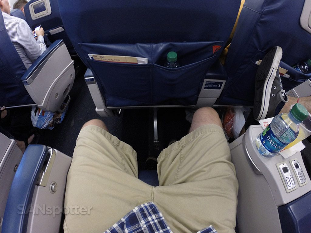 Delta-Air-Lines-Fleet-Boeing-767-300-domestic-first-class-seats-pitch-legroom-Photos-@SANspotter.jpg
