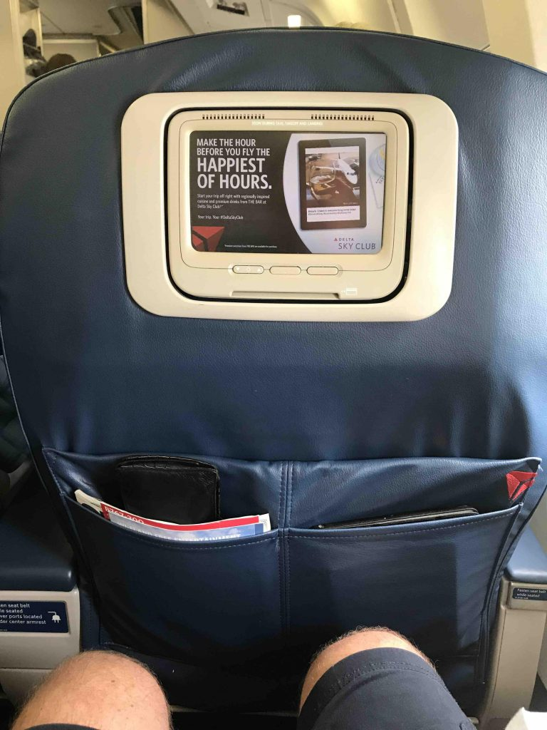 Delta Air Lines Fleet Boeing 767-300 domestic first class seats pitch legroom photos