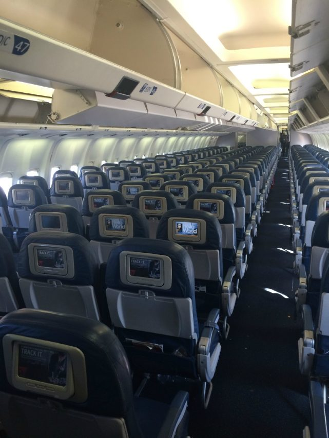 Delta Air Lines Fleet Boeing 767-300 domestic main cabin economy class 2-3-2 seats layout configuration photos