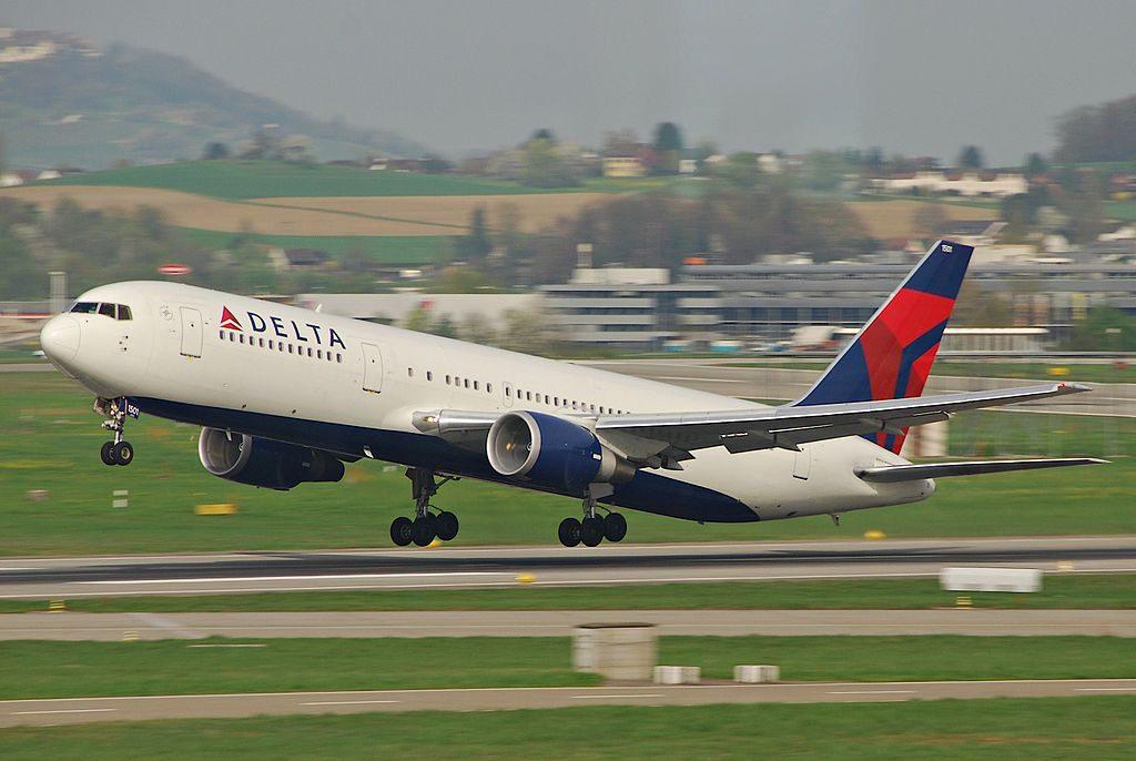 Delta Air Lines Fleet Boeing 767-300ER; N1501P landing @ZRH Zurich Airport, Switzerland
