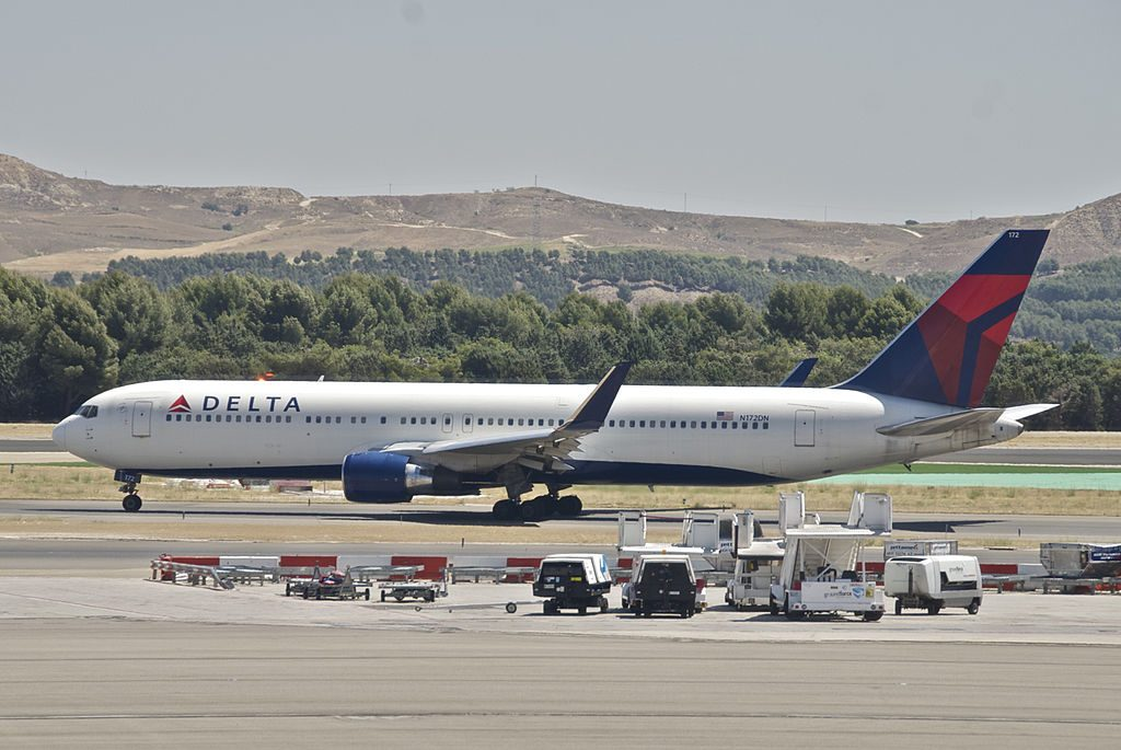 Delta Air Lines Fleet Boeing 767-300ER N172DN @MAD Adolfo Suárez Madrid–Barajas Airport Spain