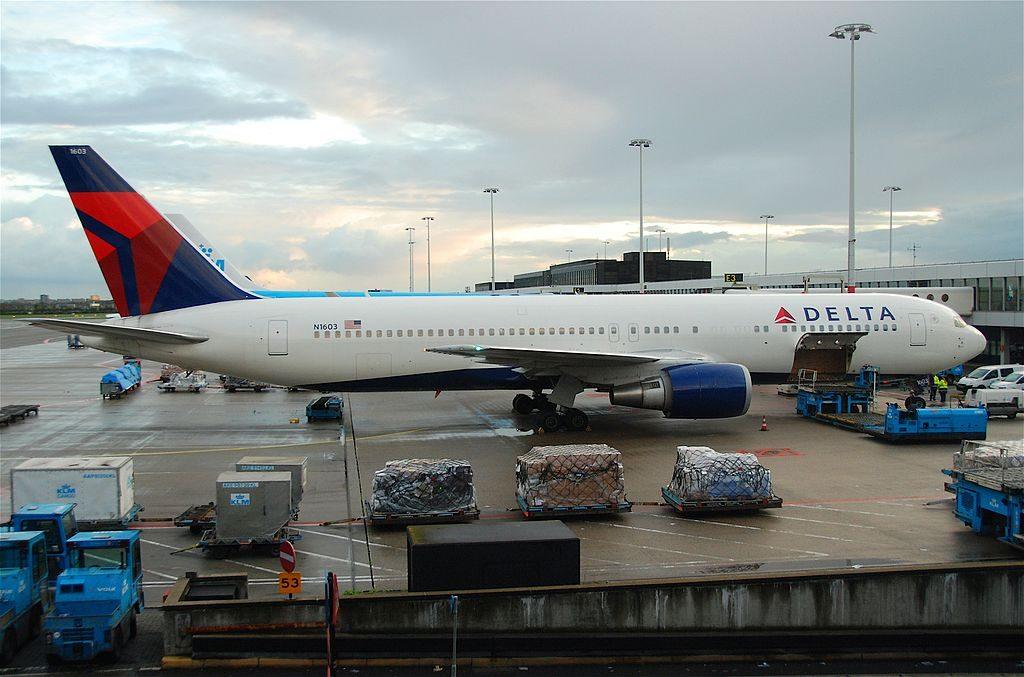 Delta Air Lines Fleet Boeing 767-332ER N1603 cn:serial number- 29695:736 @AMS Amsterdam Airport Schiphol