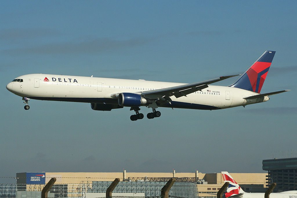 Delta Air Lines Fleet Boeing 767-432ER N832MH Arriving on flight DL040 from Minneapolis. London Heathrow