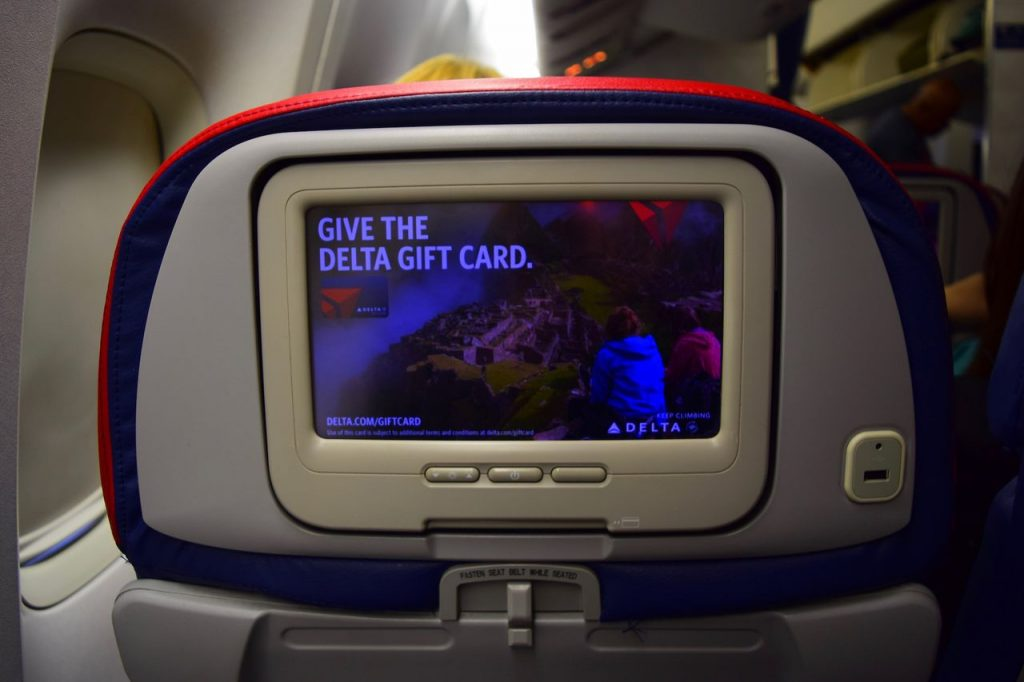 Delta Air Lines Fleet Boeing 777-200ER Premium Economy (Comfort+) IFE system video screen photos