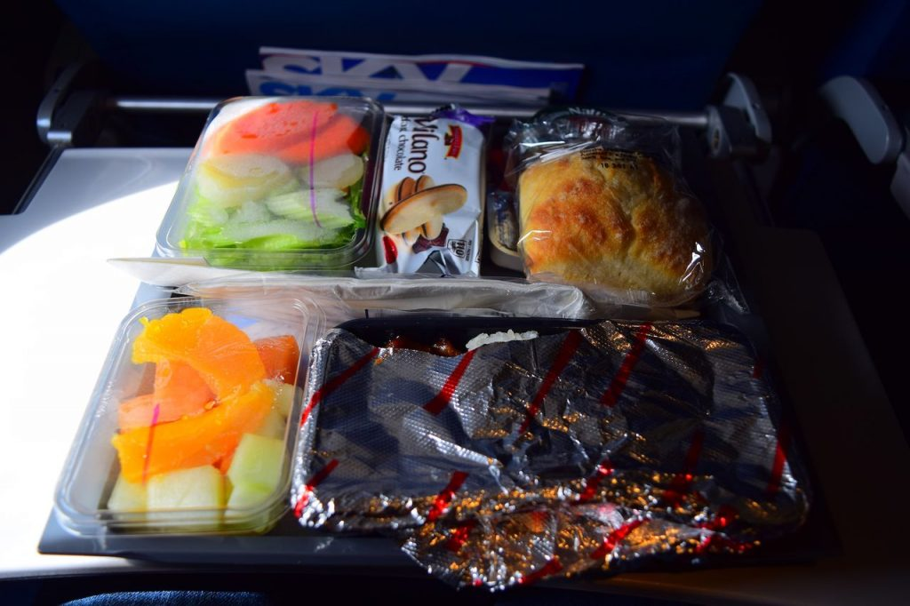 Delta Air Lines Fleet Boeing 777-200ER Premium Economy (Comfort+) inflight amenities meal service
