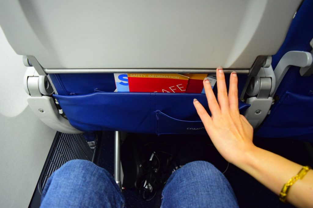 "Delta Air Lines Fleet Boeing 777-200ER Premium Economy (Comfort+) seats pitch and legroom is 35"" photos"