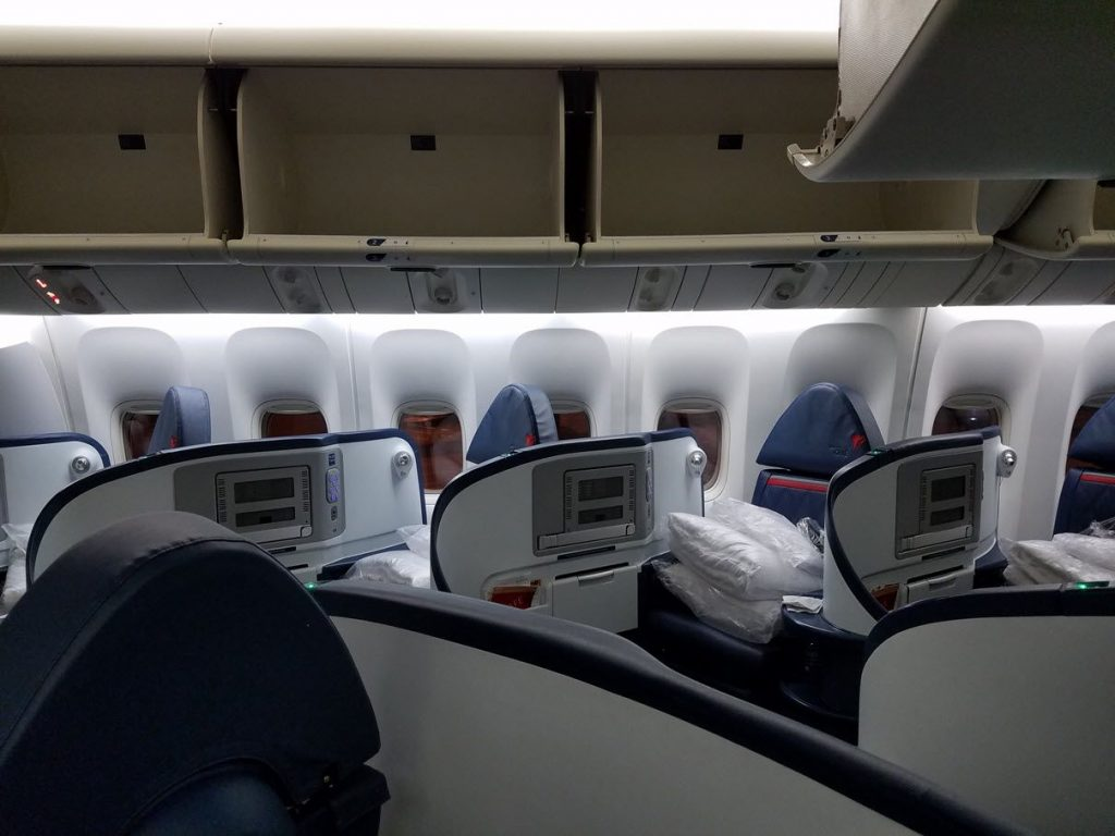Delta Air Lines Fleet Boeing 777-200LR business elite:Delta ONE class cabin interior and seats layout configuration photos