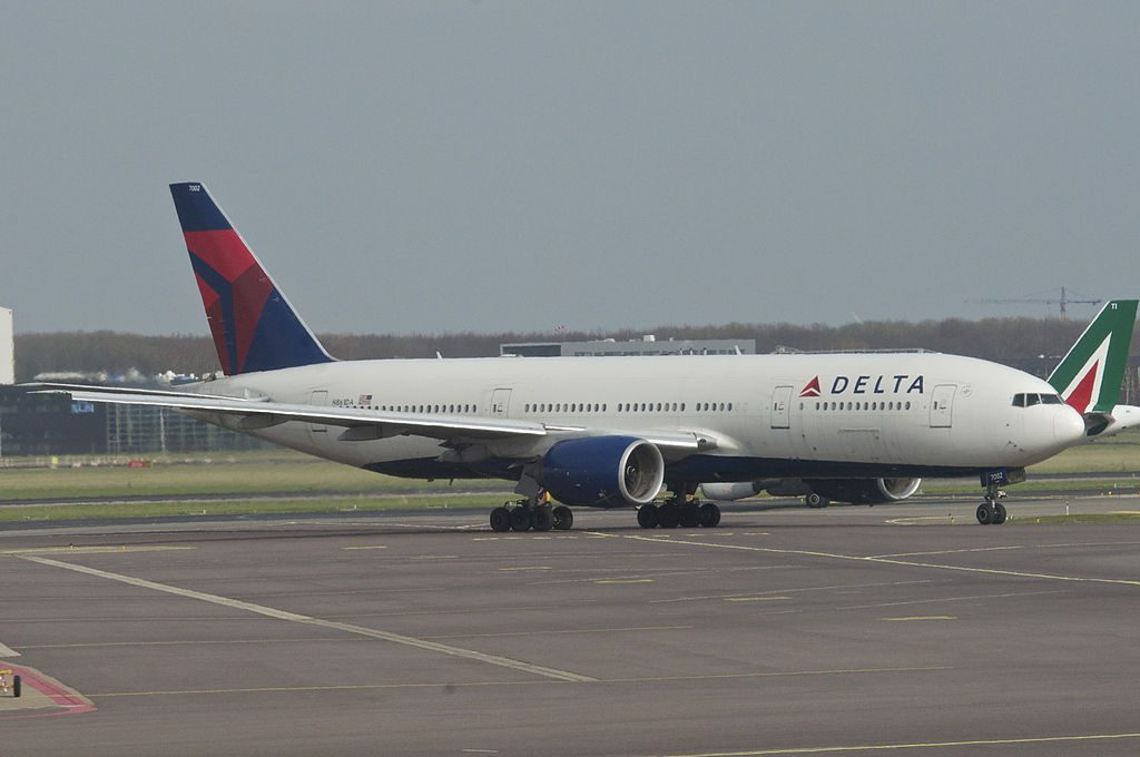 Delta Air Lines Fleet Boeing 777-232ER, N861DA at Amsterdam Airport Schiphol