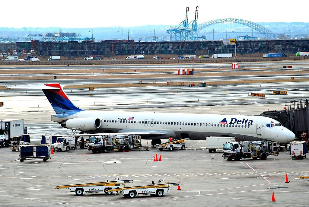 Delta Air Lines Fleet McDonnell Douglas MD-88 N931DL @EWR Newark Liberty International Airport