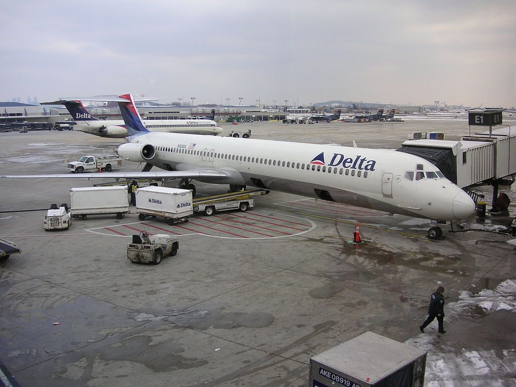 Delta Air Lines Fleet McDonnell Douglas MD-88 on boarding gate @PHL Philadelphia International Airport
