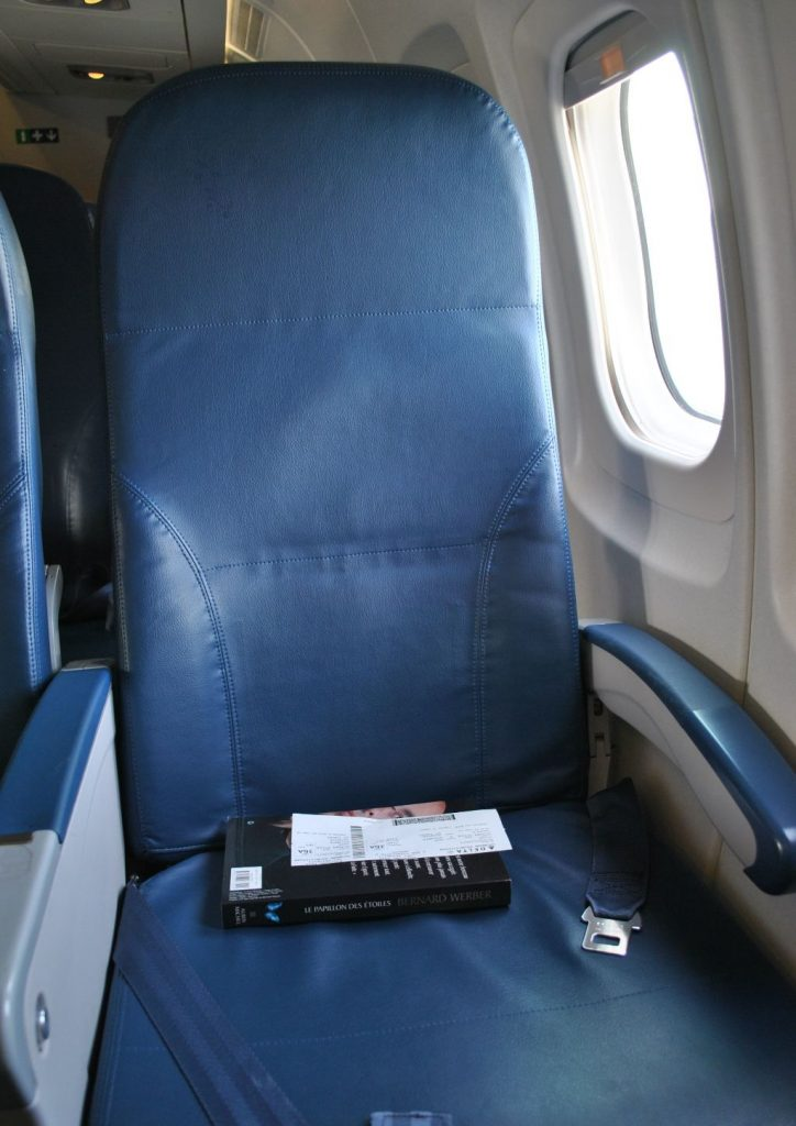 Delta Air Lines Fleet McDonnell Douglas MD-90-30 (M90) Premium Economy (Comfort+) Window Seats Photos