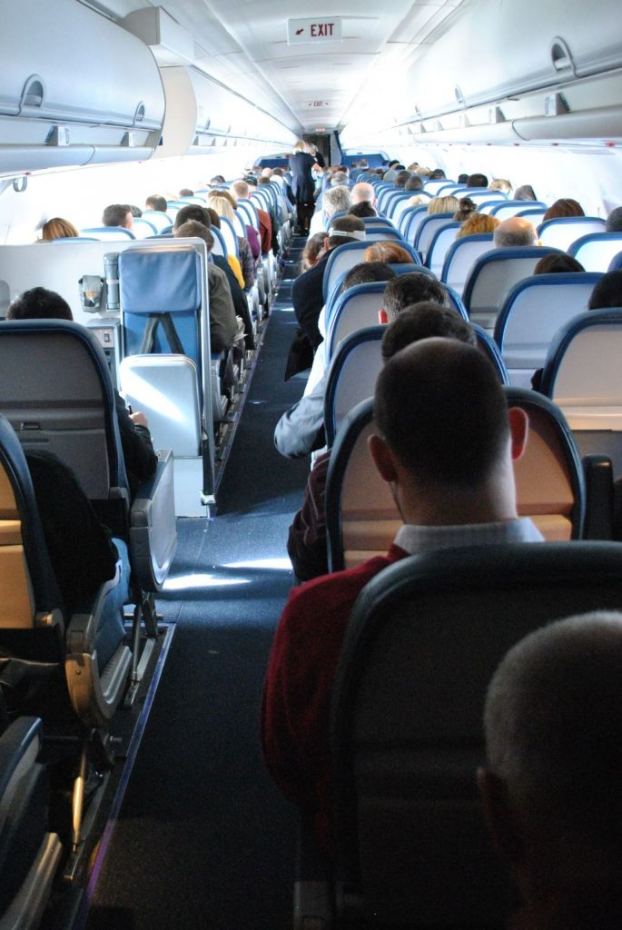 Delta Air Lines Fleet McDonnell Douglas MD-90-30 (M90) Premium Economy (Comfort+) inflight cabin photos