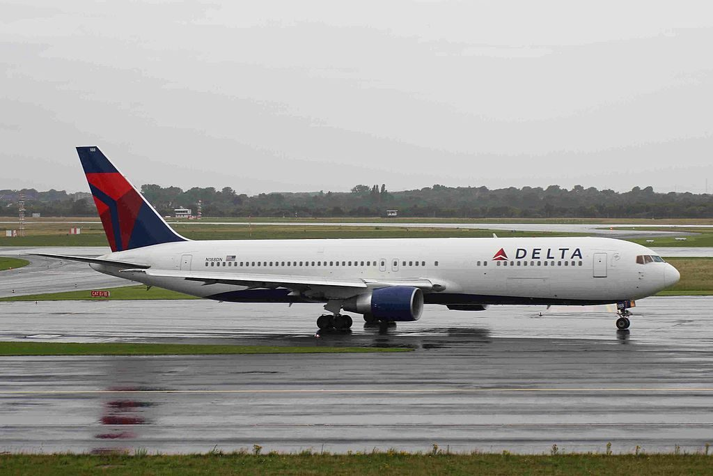 Delta Air Lines Fleet N188DN Boeing B767-332ER taxiing at Düsseldorf Airport Germany