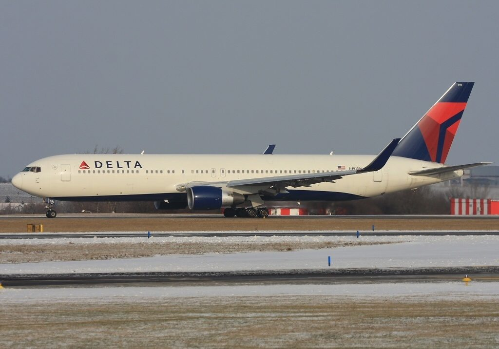Delta Air Lines Fleet N191DN Boeing 767-332:ER Prague - Vaclav Havel (Ruzyne) (PRG : LKPR), Czech Republic