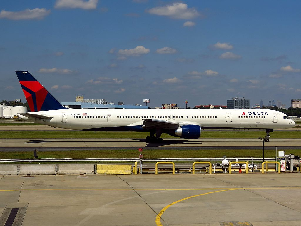 Delta Air Lines Fleet N583NW Boeing 757-300 Hartsfield-Jackson Atlanta International Airport