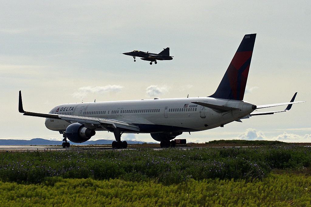 Delta Air Lines Fleet N588NW Boeing 757-300 Aircraft Landing at (KEF) Keflavík International Airport - Reykjavík–Keflavík Airport
