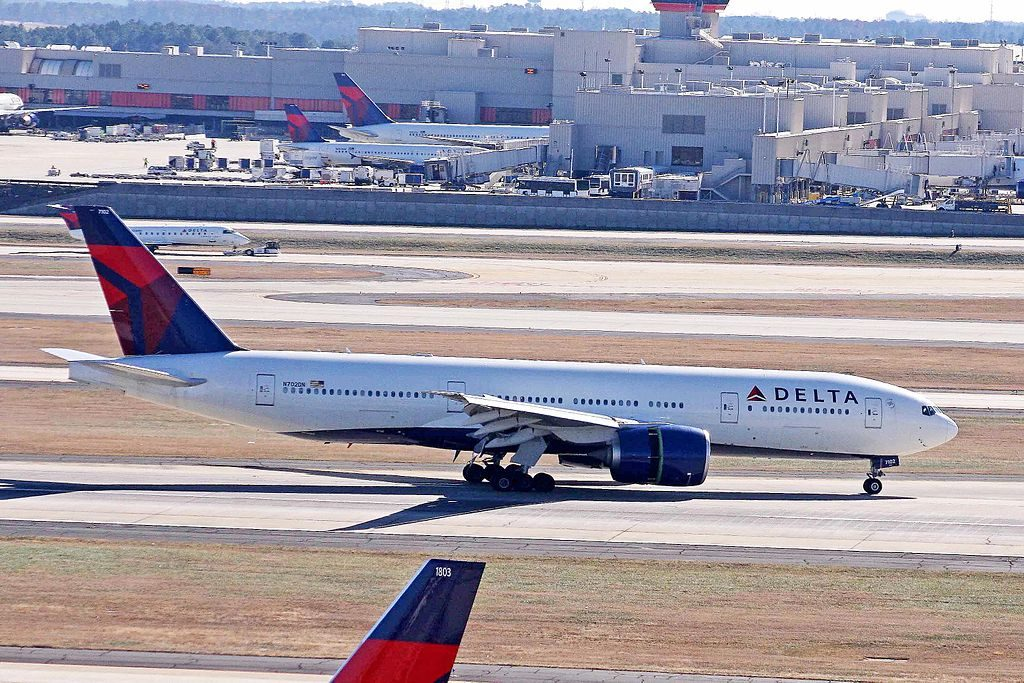 Delta Air Lines Fleet N702DN Boeing 777-232LR departure (reverse thrust engine) Hartsfield–Jackson Atlanta International Airport