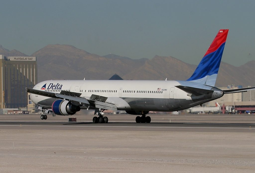 Delta Air Lines Fleet N829MH Boeing 767-432ER cn:serial number- 29700:801 at Las Vegas - McCarran International (LAS : KLAS), USA - Nevada