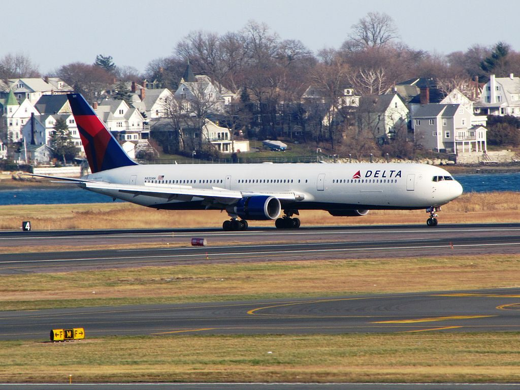 Delta Air Lines Fleet N835MH Boeing 767-400ER at General Edward Lawrence Logan International Airport