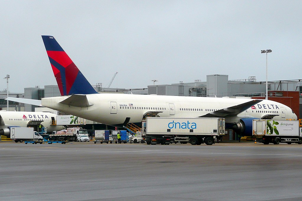 Delta Air Lines Fleet N861DA Boeing 777-232(ER) at Heathrow Airport (IATA- LHR, ICAO- EGLL) UK