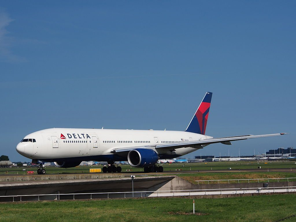 Delta Air Lines Fleet N864DA Boeing 777-232(ER) at Amsterdam airport Schiphol, the Netherlands