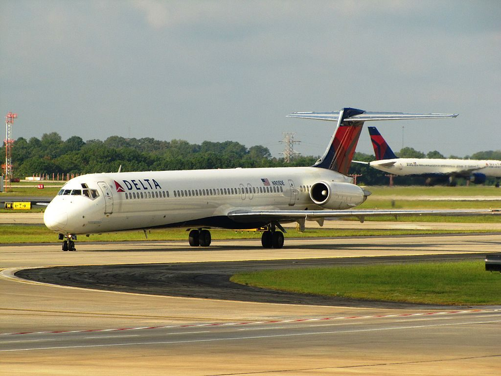 Delta Air Lines Fleet N905DE McDonnell Douglas MD-88 Hartsfield-Jackson Atlanta International Airport
