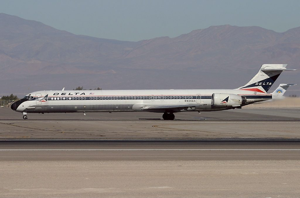 Delta Air Lines Fleet N906DA McDonnell Douglas MD-90-30 (old:retro livery colors) at Las Vegas - McCarran International (LAS : KLAS), USA - Nevada