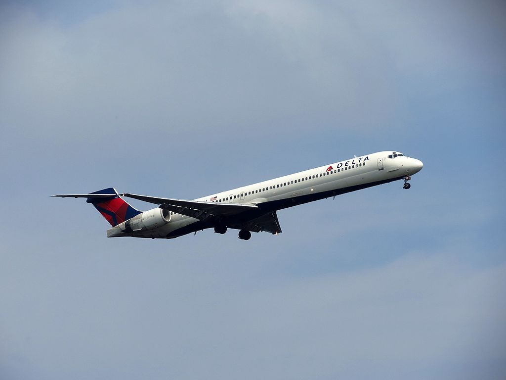 Delta Air Lines Fleet N909DA McDonnell Douglas MD-90-30 departure Hartsfield-Jackson Atlanta International Airport
