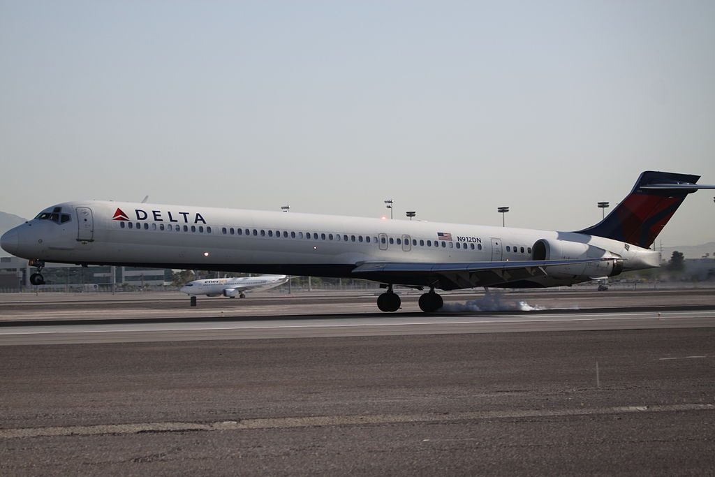 Delta Air Lines Fleet N912DN McDonnell Douglas MD-90-30 at Las Vegas McCarran International Airport
