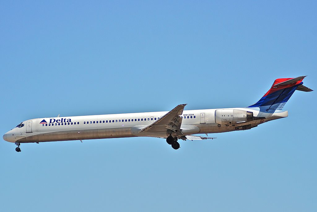 Delta Air Lines Fleet N913DN McDonnell Douglas MD-90-30 at LAX Los Angeles International Airport