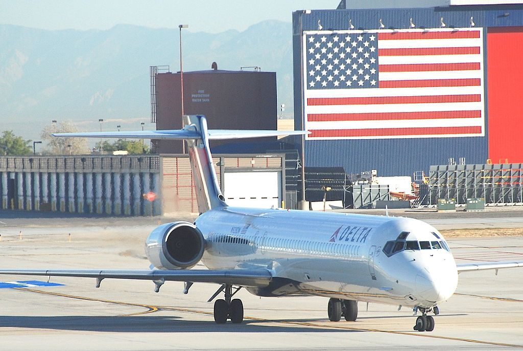 Delta Air Lines Fleet N928DN McDonnell Douglas MD-90-30 cn:serial number- 53590:2261 at SLC Salt Lake City International Airport