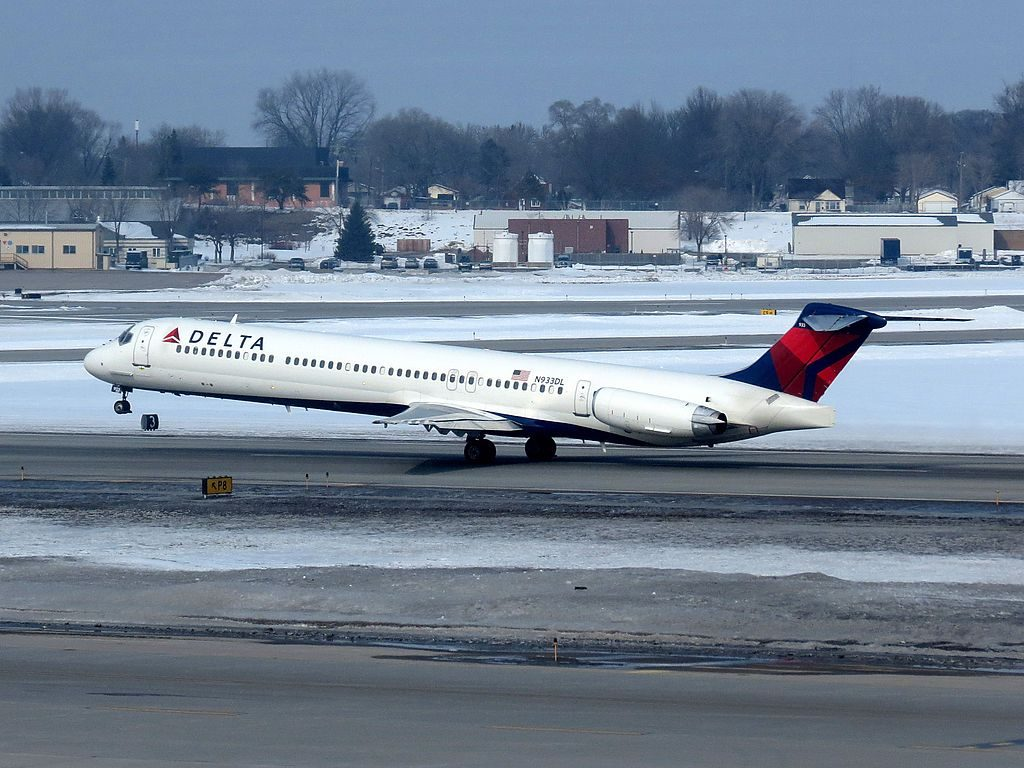 Delta Air Lines Fleet N933DL McDonnell Douglas MD-88 take off Minneapolis-Saint Paul International Airport