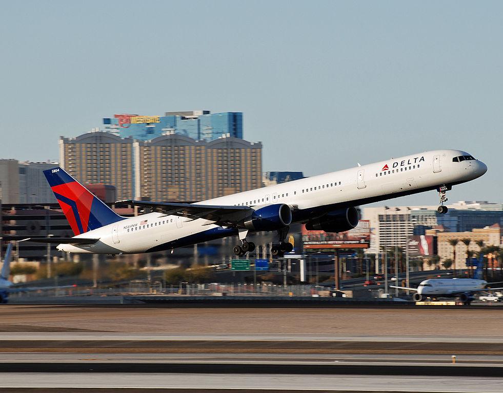Delta Air Lines Fleet Narrow Body Boeing 757-300 N584NW Aircraft Photos